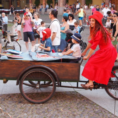 La Triciclo-teca. Biblioteca a pedali